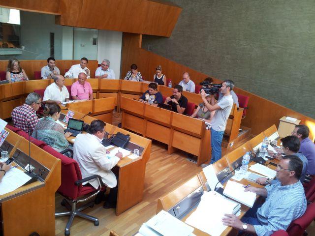 El Pleno del Ayuntamiento ratifica su apoyo incondicional a los vecinos del poblado de Puntas de Calnegre - 1, Foto 1