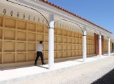 Juan Calabuig, Concejal de Cementerio, ha visitado recientemente el cementerio municipal para conocer las recién  acabadas obras valoradas en casi 200.000 euros