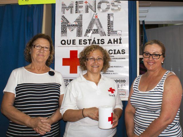 ACOMA y Cruz Roja emprenden una campaña para recaudar fondos para ayudar a paliar los efectos de la crisis en las familias mazarroneras, Foto 1
