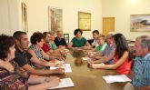 La nueva Alcaldesa se reúne con el equipo de gobierno y anuncia que 'redistribuirá las competencias'