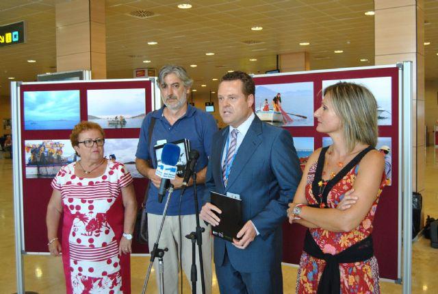 La concejalía de Medio Ambiente muestra otra cara del Mar Menor en el Aeropuerto con la exposición Pescadores - 1, Foto 1