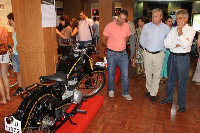 Magnífica acogida de la exposición de motos antiguas Retorno - 2, Foto 2