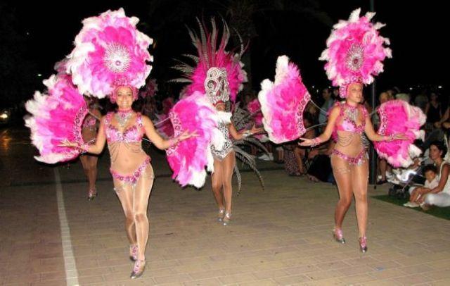 El Carnaval de Verano volvió a llenar de fiesta y fantasía el paseo marítimo de Santiago de la Ribera - 1, Foto 1