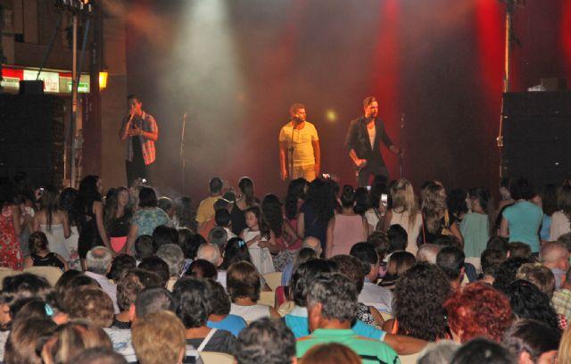 El grupo gaditano DECAI ofreció un concierto en Puerto Lumbreras ante cerca de un millar de personas - 2, Foto 2
