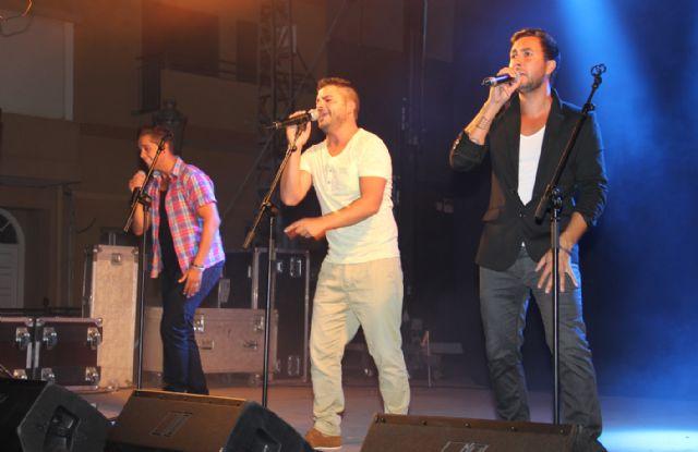 El grupo gaditano DECAI ofreció un concierto en Puerto Lumbreras ante cerca de un millar de personas - 3, Foto 3