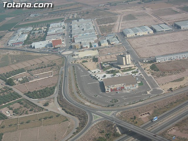 La Comunidad desarrolla planes de mejora de los parques empresariales para aumentar la competitividad de las empresas, Foto 1