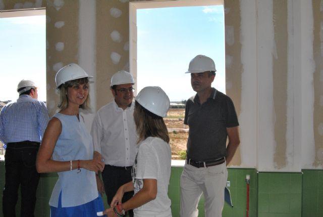 El consejero de Educación y el Alcalde de San Javier visitan las obras del colegio El Recuerdo que estará listo para el próximo curso - 3, Foto 3
