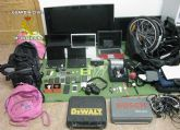La Guardia Civil detiene a dos personas por más de una quincena de robos en viviendas y vehículos