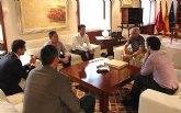 Valcárcel felicita al marchador murciano Miguel Ángel López por su bronce en el Mundial