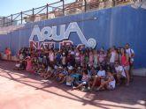 Un grupo de niños afectados por el terremoto de Lorca visitan el parque Terra Natura Murcia