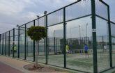 El Ayuntamiento renueva las pistas de pádel del polideportivo municipal