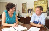La nueva Alcaldesa mantiene la primera reunión con el párroco del municipio para planificar campañas en colaboración con Cáritas Parroquial