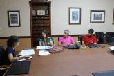 El Ayuntamiento y la protectora '4 Patas' colaborarán en campañas de sensibilización que eviten el abandono