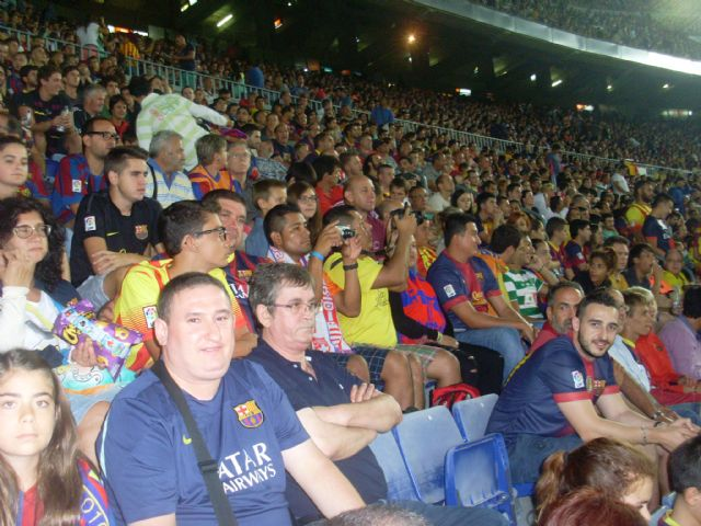 La Peña Barcelonista de Totana estuvo presente en la final de la Supercopa, Foto 1