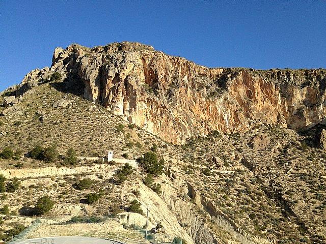 La Comunidad colabora en el desarrollo de un proyecto para consolidar las laderas en el monte de La Solana de Ulea - 1, Foto 1
