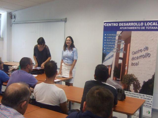 Un total de 36 usuarios participan en el curso de capacitación gratuito, Foto 2