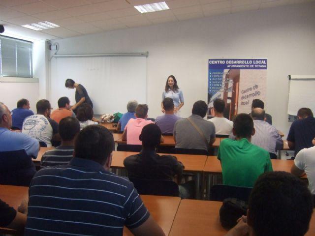 Un total de 36 usuarios participan en el curso de capacitación gratuito, Foto 3