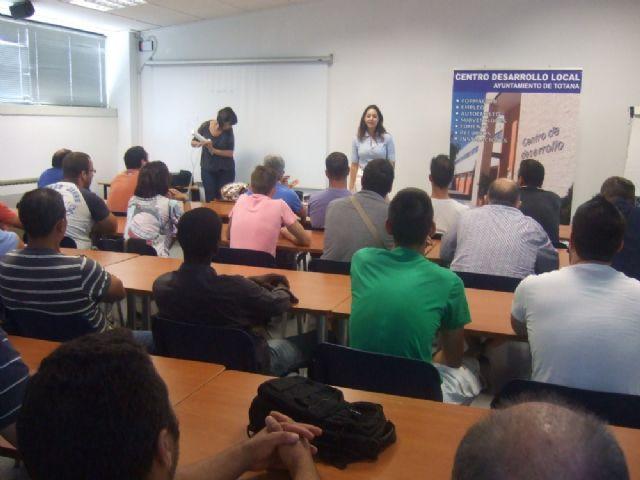 Un total de 36 usuarios participan en el curso de capacitación gratuito, Foto 4