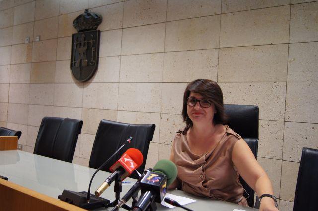 La alcaldesa fija como prioridad para el nuevo curso político 2013/14 promover las condiciones que contribuyan a la reactivación de la economía y a la generación de empleo, Foto 1