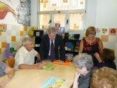 Los centros dependientes del Instituto Murciano de Acción Social ofrecen terapias personalizadas a los enfermos de Alzheimer