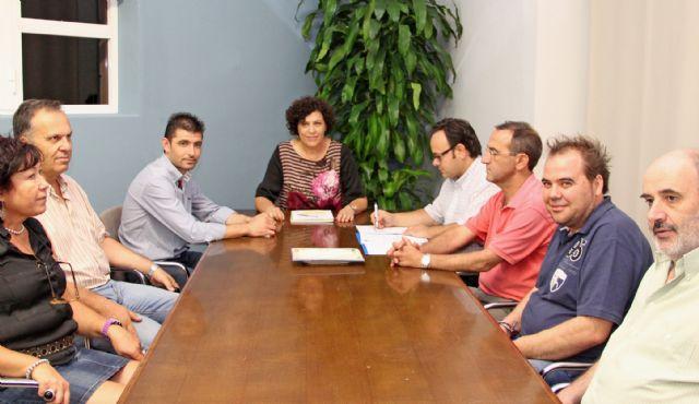 La Alcaldesa se reúne con la Confederación de Empresarios ASEPLU para planificar la puesta en macha de un Plan de Dinamización del Comercio Local - 1, Foto 1