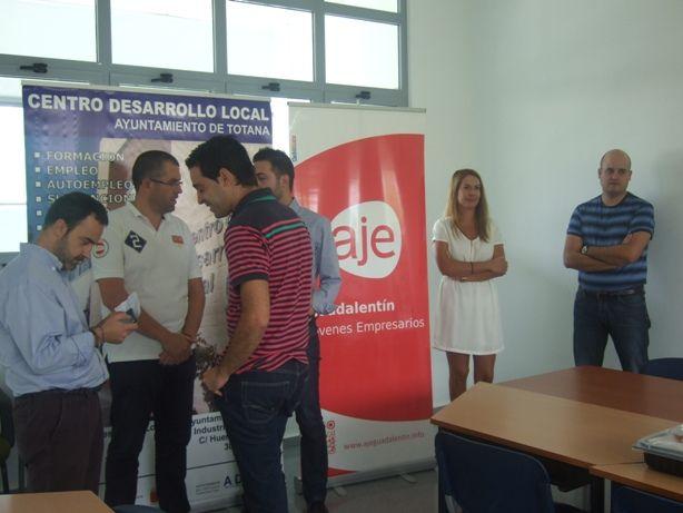 AJE Guadalentín celebra su reunión de junta directiva en las instalaciones del Centro de Desarrollo Local de Totana, Foto 2