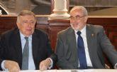 José Luis Mendoza acompaña a Luis María Anson en el Foro Nueva Murcia