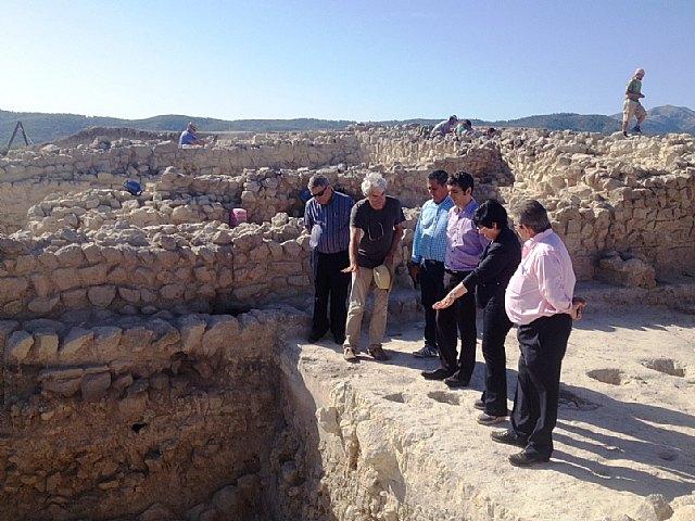 Cruzpone de relieve el gran futuro arqueológico regional en su visita a La Almoloya - 1, Foto 1