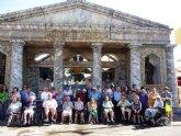 40 mayores de los Centros de Día de Cartagena visitan el campamento de Carthagineses y Romanos