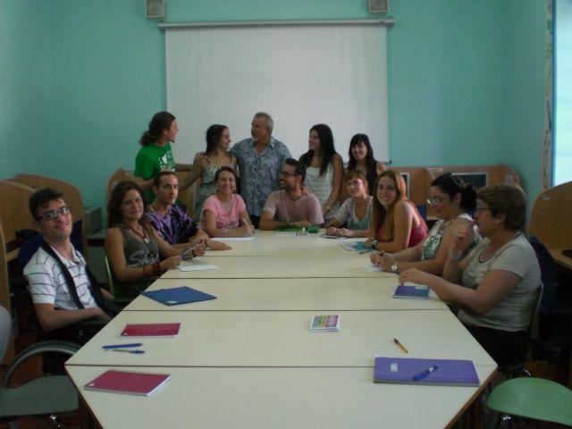 Un total de quince personas participan en el curso de animación a la lectura y escritura creativa, Foto 1