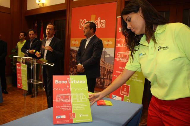 El nuevo bono urbano permitirá viajar en tranvía y autobús en la ciudad hasta un 40% más barato a partir de mañana - 1, Foto 1
