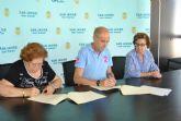 El Ayuntamiento firma un convenio de colaboración con la Asociación de Amas de Casa de Santiago de la Ribera