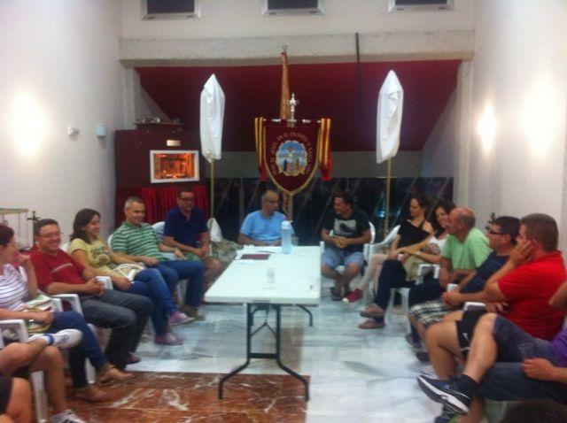 La nueva junta directiva de la Hdad. de Jes�s en el Calvario y Santa Cena se reune con el Consiliario, Foto 3