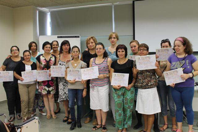 Concluye el curso de formación en el cuidado de personas mayores dependientes impartido en el Vivero de Empresas, Foto 1