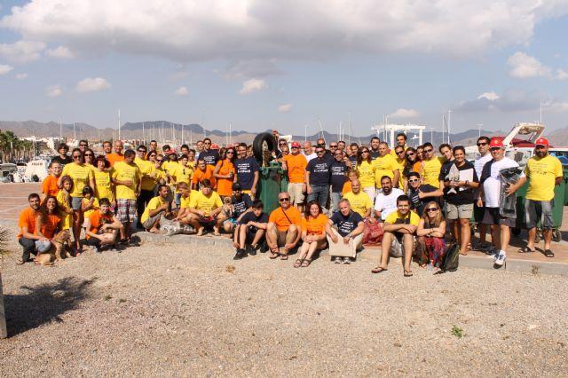 Los participantes de la XIX jornadas de limpieza de fondos marinos de la Bahía de Mazarrón recogen 170 kilos de residuos - 2, Foto 2