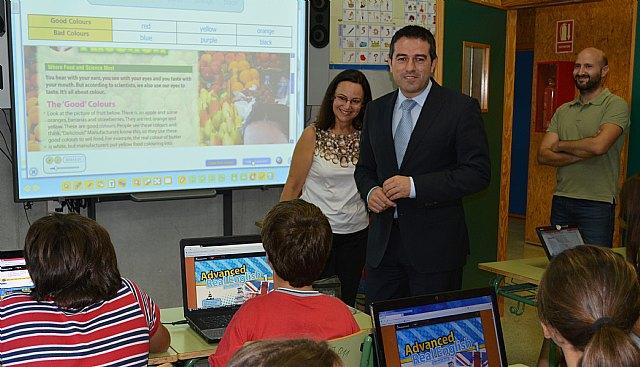 Educación facilita que 1.230 alumnos de 1° de la ESO reciban su formación íntegramente en formato digital, Foto 1