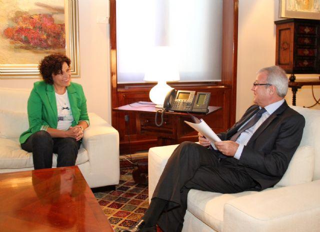 Primera reunión de la Alcaldesa de Puerto Lumbreras con el Presidente Valcárcel para analizar proyectos de dinamización en el municipio - 1, Foto 1