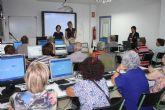 El Ayuntamiento de Torre-Pacheco acerca a los mayores al mundo de la informática y de internet