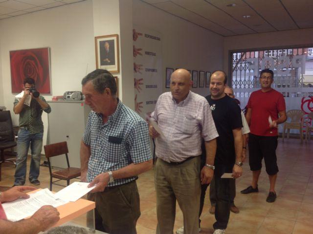 Los afiliados del PSOE de Alhama han votado mayoritariamente por cambios en el partido y en la Constitución, Foto 2