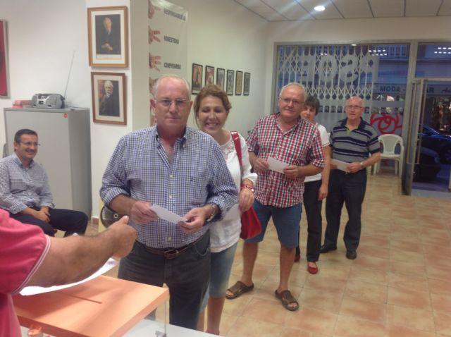 Los afiliados del PSOE de Alhama han votado mayoritariamente por cambios en el partido y en la Constitución, Foto 3