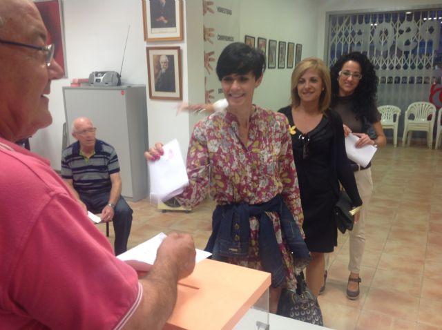 Los afiliados del PSOE de Alhama han votado mayoritariamente por cambios en el partido y en la Constitución, Foto 4