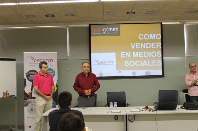 El Centro Local de Empleo acogió un taller para autónomos encaminado a promocionar su negocio a través de las redes sociales, Foto 1