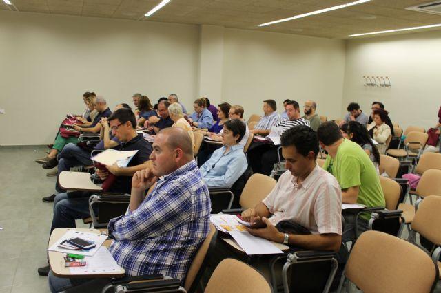 El Centro Local de Empleo acogió un taller para autónomos encaminado a promocionar su negocio a través de las redes sociales, Foto 2