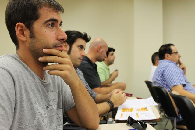 El Centro Local de Empleo acogió un taller para autónomos encaminado a promocionar su negocio a través de las redes sociales, Foto 3