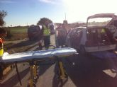 Protección Civil y Policía Local asisten a dos heridos en un accidente por colisión de dos turismos en la Vía Nueva