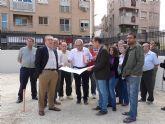 El Alcalde de Molina de Segura visita los trabajos de urbanización del perímetro del solar donde se ubicará la nueva Plaza de Europa