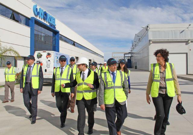 La alcaldesa de Puerto Lumbreras y el alcalde de Lorca visitan las instalaciones de la Factoría multinacional de metalurgia Noksel junto al director general de Acuamed - 2, Foto 2