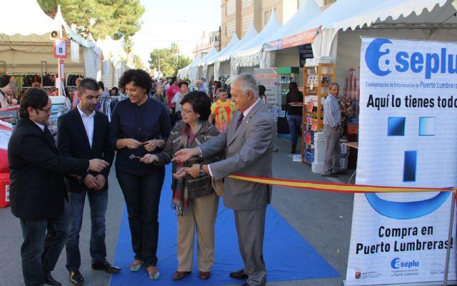 Inaugurada la Feria de Comercio en la que participan más de una veintena de comercios lumbrerenses - 1, Foto 1