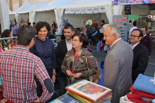 Inaugurada la Feria de Comercio en la que participan más de una veintena de comercios lumbrerenses - 2, Foto 2