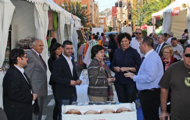 Inaugurada la Feria de Comercio en la que participan más de una veintena de comercios lumbrerenses - 3, Foto 3
